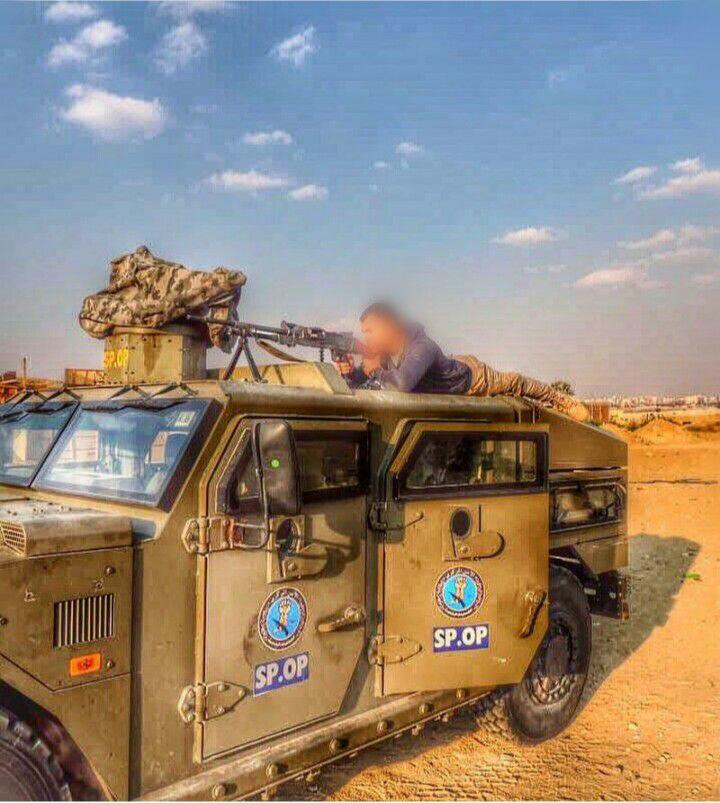 المركبة الخفيفة الكشفية Renault Sherpa Light Scout او صاحب المسمى الكودى Sherpa 2     فى مصر C-SMbtHXoAEDsp2