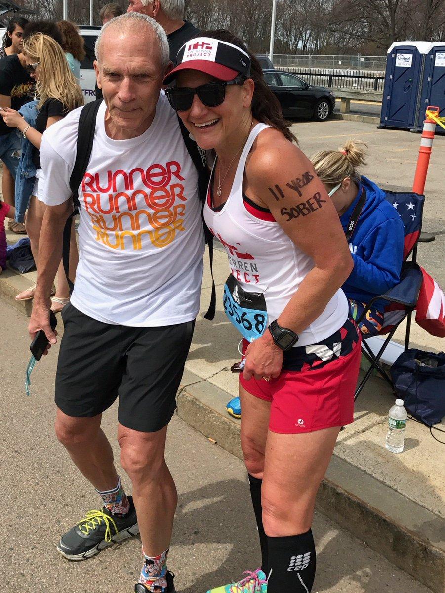 Pam @pamelasrickard near the 10k mark of the Boston Marathon. Congrats on your 11 years sober #SoberRunnah https://t.co/EHbRmJfiZg