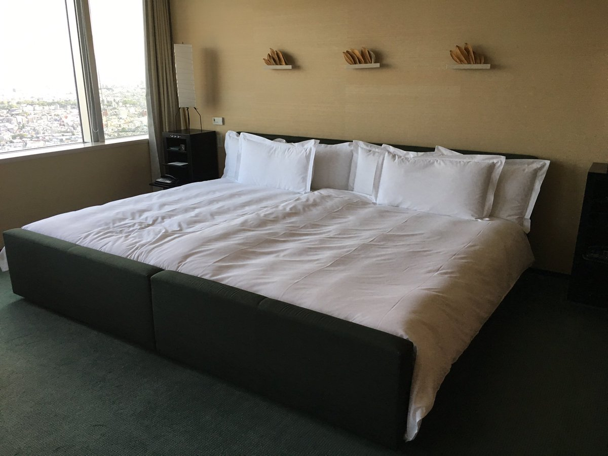 Picture of: Sj Culver On Twitter I Ve Finally Found The Best Bed Size Two Double Beds Pushed Together