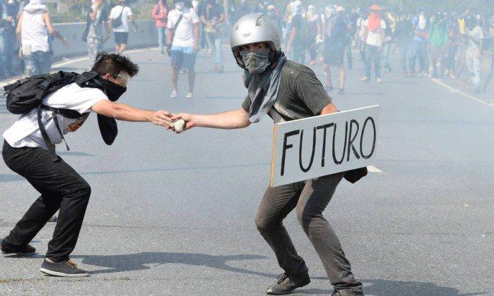 Anistia Internacional denuncia 'prisões arbitrárias descontroladas' no governo Maduro. https://t.co/P2ZQT3HU4A