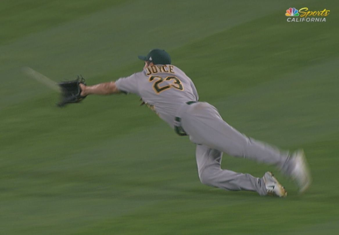 Catch of the game, goes to @sweetswingin20.  #Athletics https://t.co/s...