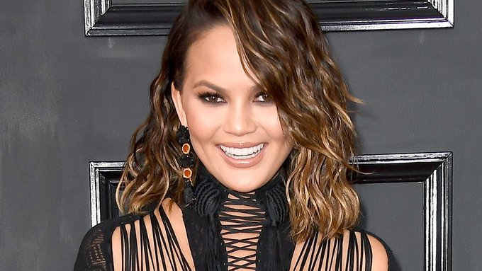 Chrissy Teigen Reveals Hilarious Hair Extension-Removal Gone Wrong on Snapchat