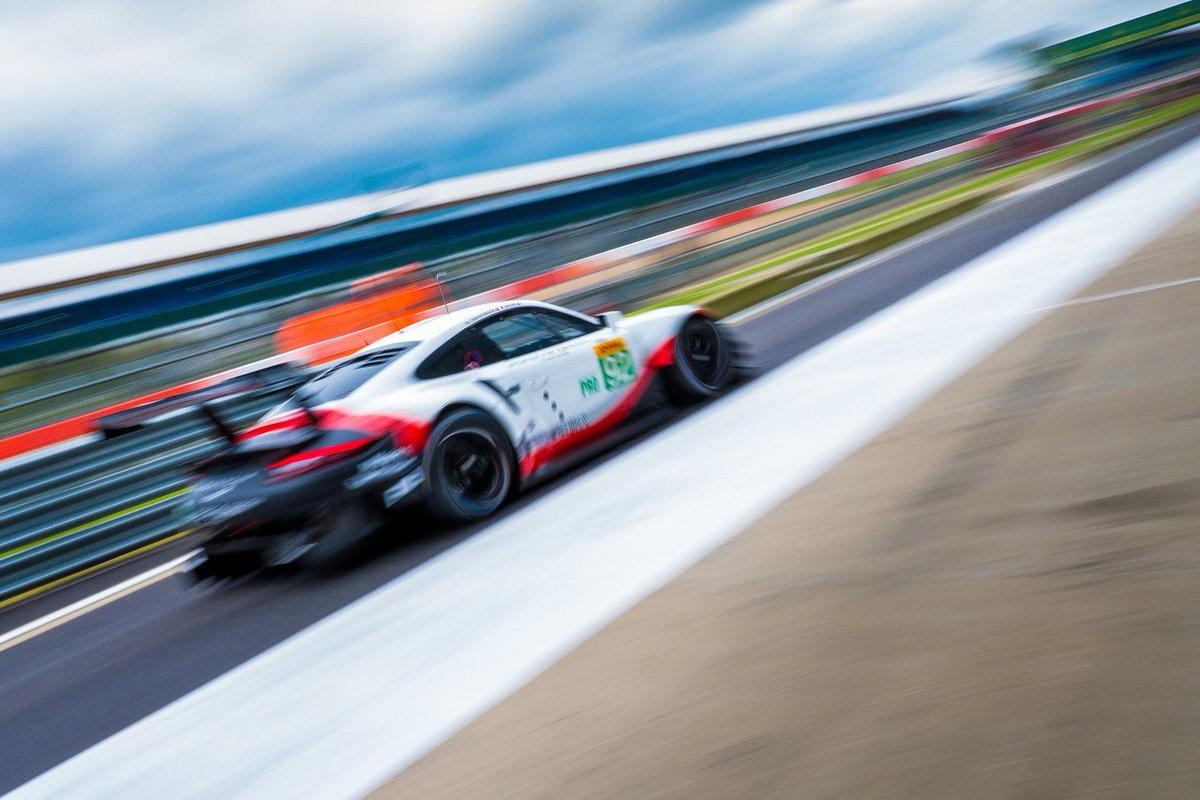 The new @Porsche 911 RSR roars down pit lane @SilverstoneUK #throwback...