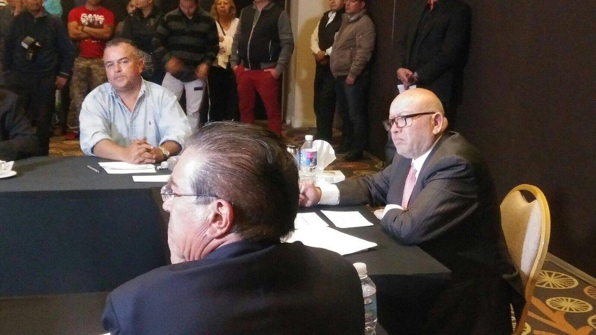 El independiente @IsidroPastor_ no participará en el debate del  @IEEM_MX pero llevo a cabo un encuentro que le llamó #ElVerdaderoDebate https://t.co/uNnHsMS6zL