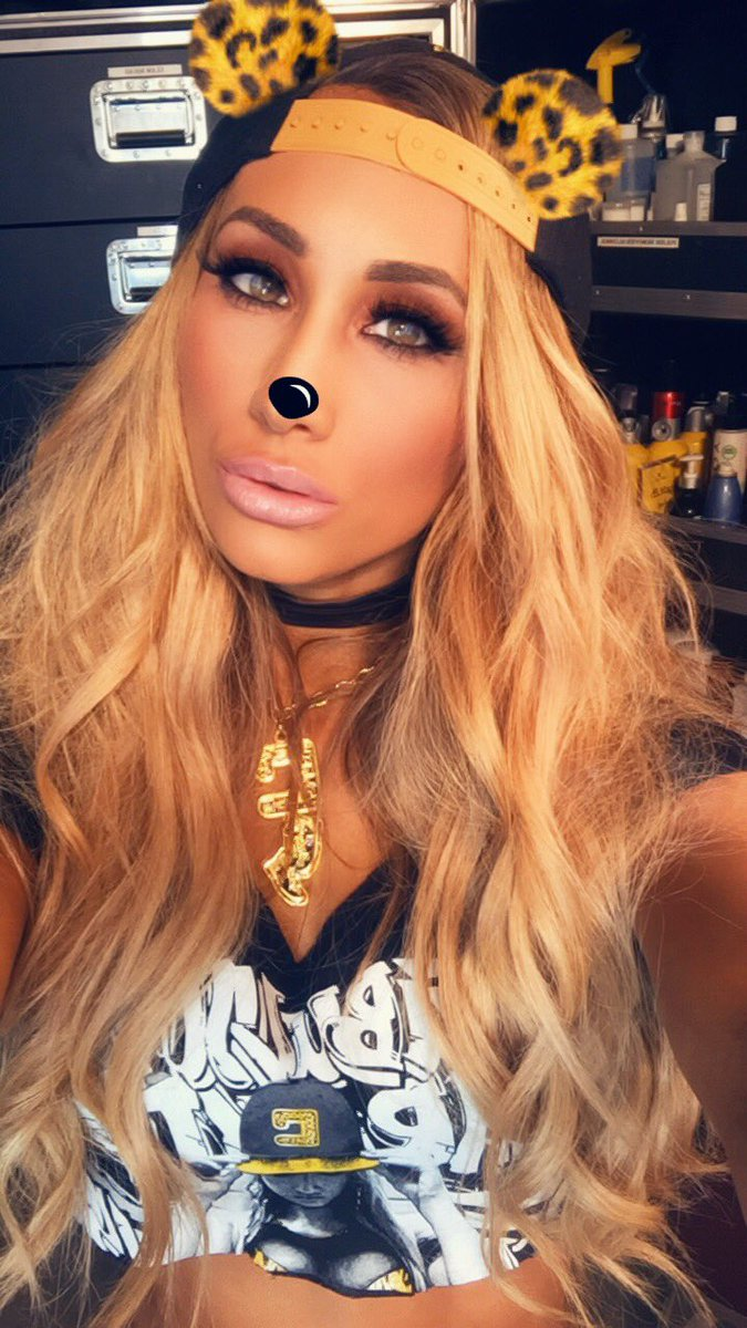 Am I not the cutest leopard you've ever seen?! 🤗 #SDLive https://t.co/...