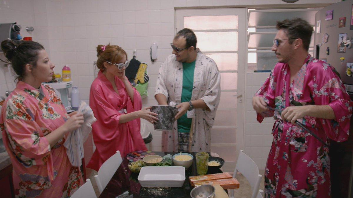 Melhor equipe de cozinheiros hahaha #AdotadaMTV https://t.co/LHDGmJzVG...