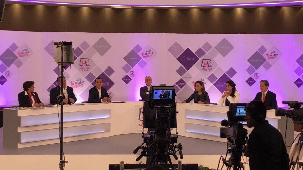 A este #DebateEdomex llego #FuerteYConPropuestas. https://t.co/9oxL2XkClY