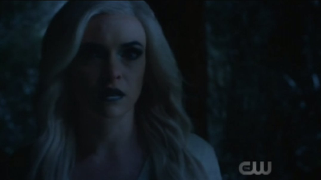 Damnit, Killer Frost knows before we do!!! #TheFlash https://t.co/SeXh...