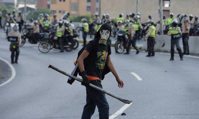 Oposição desafia Maduro e convoca nova marcha. https://t.co/hL9R4OyiVT