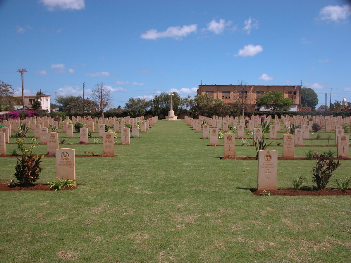 First ever #ANZAC event to be held at @CWGC cemetery in #Madagascar to commemorate lone Australian casualty:  http:// ow.ly/DSn030bbkbA  &nbsp;   #WW2<br>http://pic.twitter.com/Ro27DamKPh