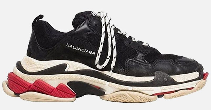 .@BALENCIAGA's triple-soled threat just surfaced in a brand new colorway:  https://t.co/y9Q4iol1QK