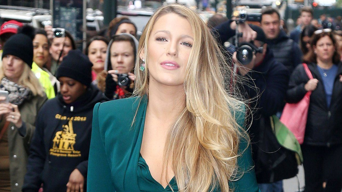 Blake Lively shares her advice on what women can do to stand up to Trump  https://t.co/H1wnNxd3yS
