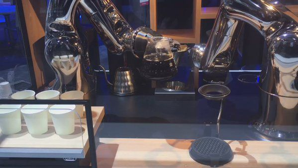 Cars and (robotic) coffee? @DENSOAutoParts #CES2017 <br>http://pic.twitter.com/oaqsH6xum0