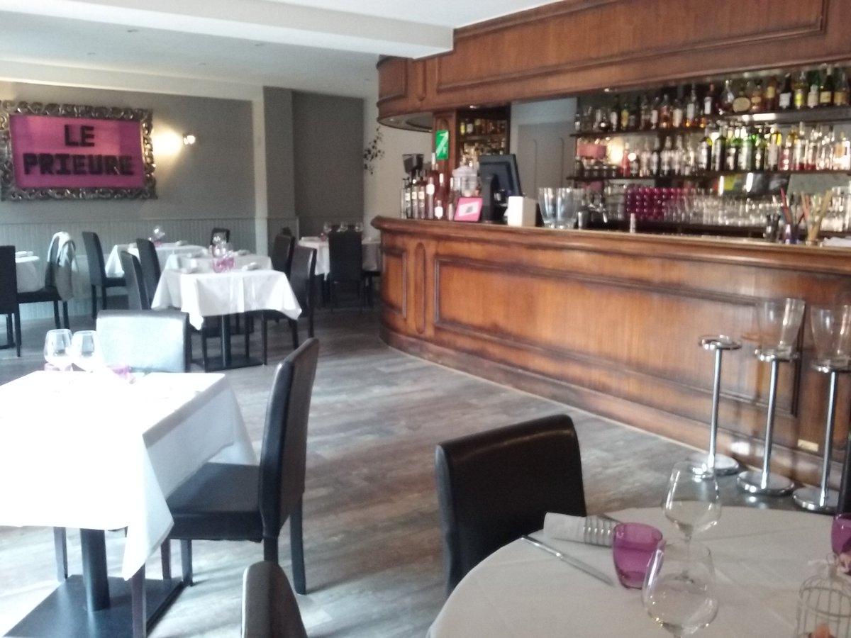 #saintlaurentduvar #restaurant LE PRIEURE #platdujour FILET DE ROUGET GRONDIN RISOTTO JUS DE VIANDE à 11€ #parking #mairie à 50m 0493144100 pic.twitter.com/wpppCHxwFV