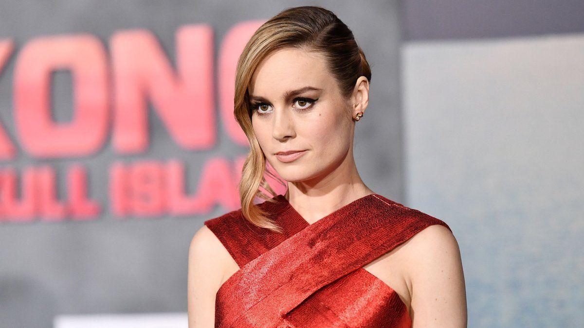".@BrieLarson: Emma Stone and Jennifer Lawrence ""saved my life"" https://t.co/UixrAGwVyh"