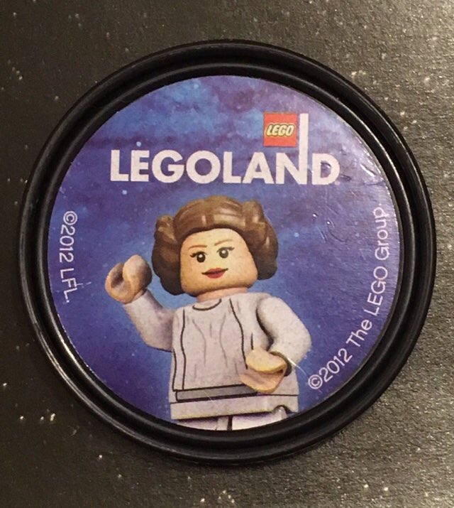 I love you. I know @LEGO_Group @starwars days @LEGOLANDWindsor isn&#39;t the same without #CarrieFisher #Leia @JokerSquad_SWG @sentinelsquaduk<br>http://pic.twitter.com/0NJjsai2wl