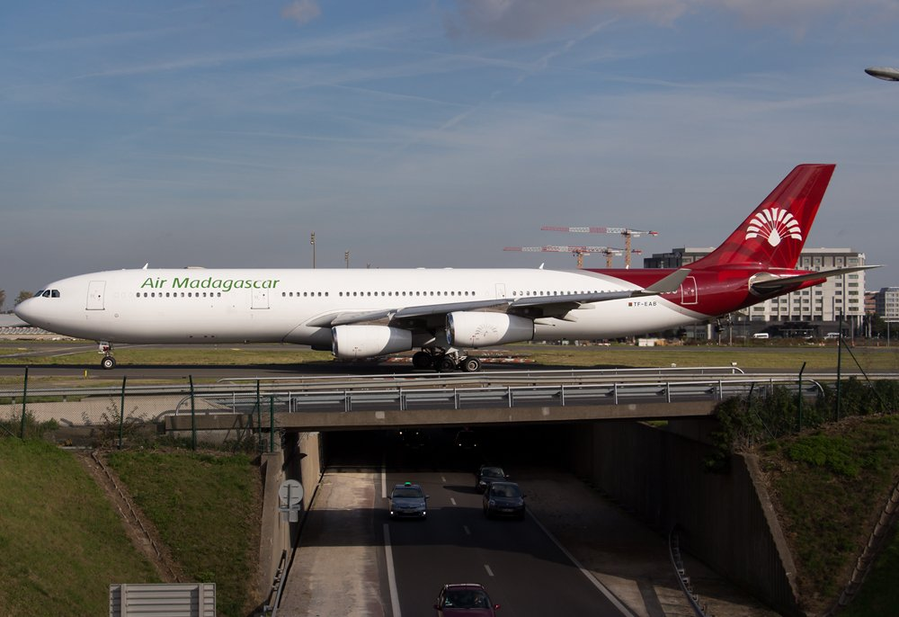 One of the @AirMad #A340-300s at @ParisAeroport #CDG in 2014:  http://www. joelvogt.net/aviation/spott erbrowser/imgview.php?id=13838 &nbsp; …  #avgeek #aviation #Paris #France #Madagascar <br>http://pic.twitter.com/72cewa6RII