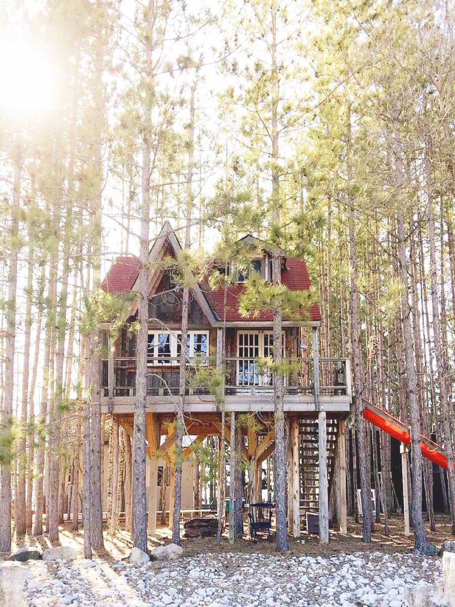 For the love of treehouses...unplug, unwind and recharge YOU at the #TreehouseRetreat https://t.co/ZXvv86hhfn https://t.co/3YYdfdpJeu
