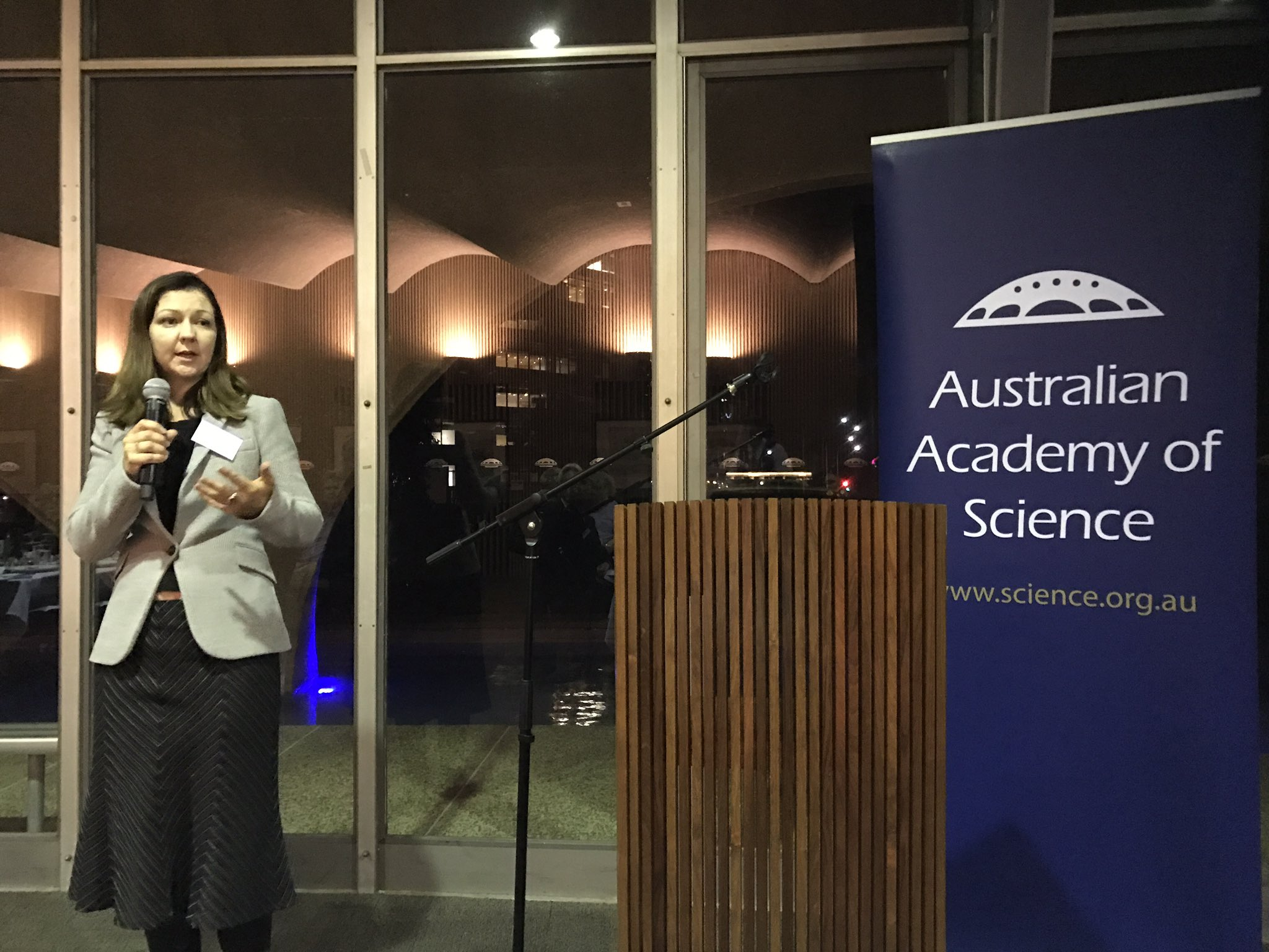 Australian Academy Of Science On Twitter Lisa Kewley Shares Work Of The National Committee For Astronomy Future Innovation Will Benefit Many Other Areas
