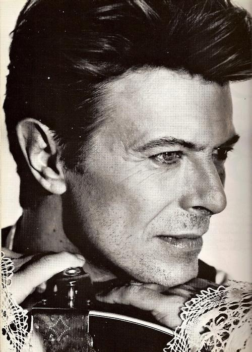 Have a nice day! #DavidBowie circa 1990 <br>http://pic.twitter.com/GUWN7IdxzS