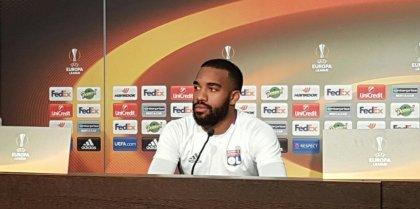 #OL : #Lacazette forfait à #Angers, incertain pour la demi-finale aller contre l'#Ajax  https://rsi.fm?WY6 rsi.fm/?WY6     #Lyon #AJAXOLpic.twitter.com/sCQ0wjC57y