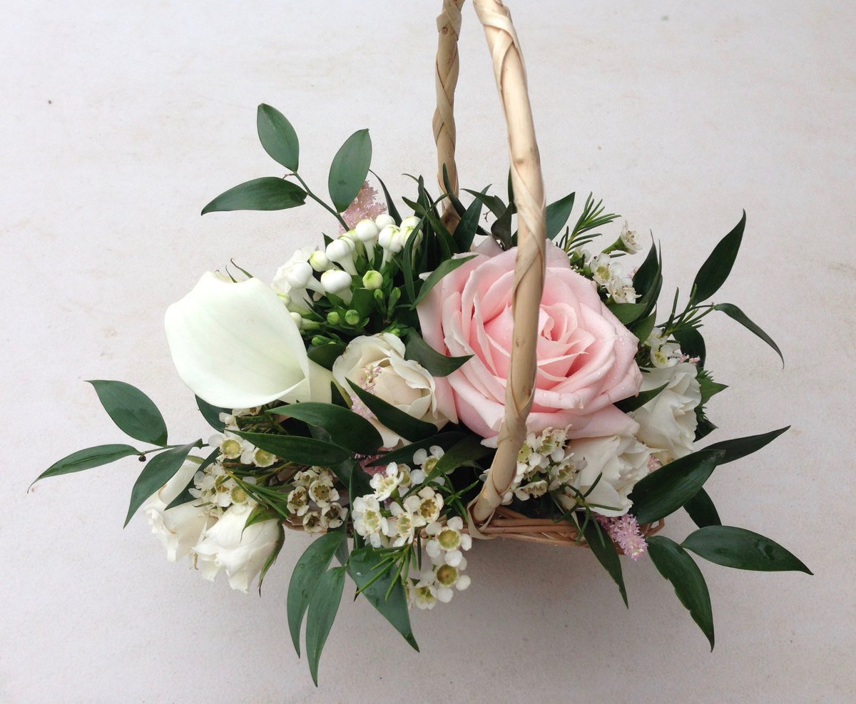 Bishop and polden bishopandpolden twitter baskets of flowers are the perfect choice for small flowergirls so cute bishopandpolden httpbishopandpolden flowerbasket izmirmasajfo