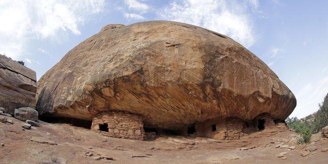 Donald Trump va passer en revue le classement des monuments nationaux américains récents  http:// dlvr.it/P07NKw     #Breaking #BreakingLivepic.twitter.com/487l88KVCb