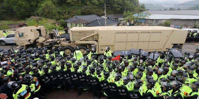 #infos Les premiers éléments du bouclier anti-missiles Thaad arrivent en Corée du Sud: L'agence Yonhap rapporte que…  http:// lemde.fr/2q6PglU    pic.twitter.com/NI6MIlD8nQ