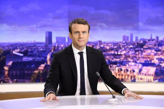 Un collectif d'universitaires, parmi lesquels A Grosser et J Delumeau, appelle à soutenir @EmmanuelMacron lemonde.fr/idees/article/…