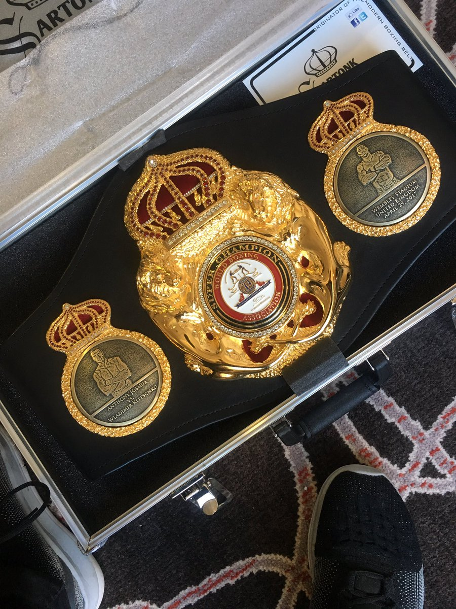 A little delivery from @WBABoxing #JoshuaKlitchsko https://t.co/4FamJu8ETR