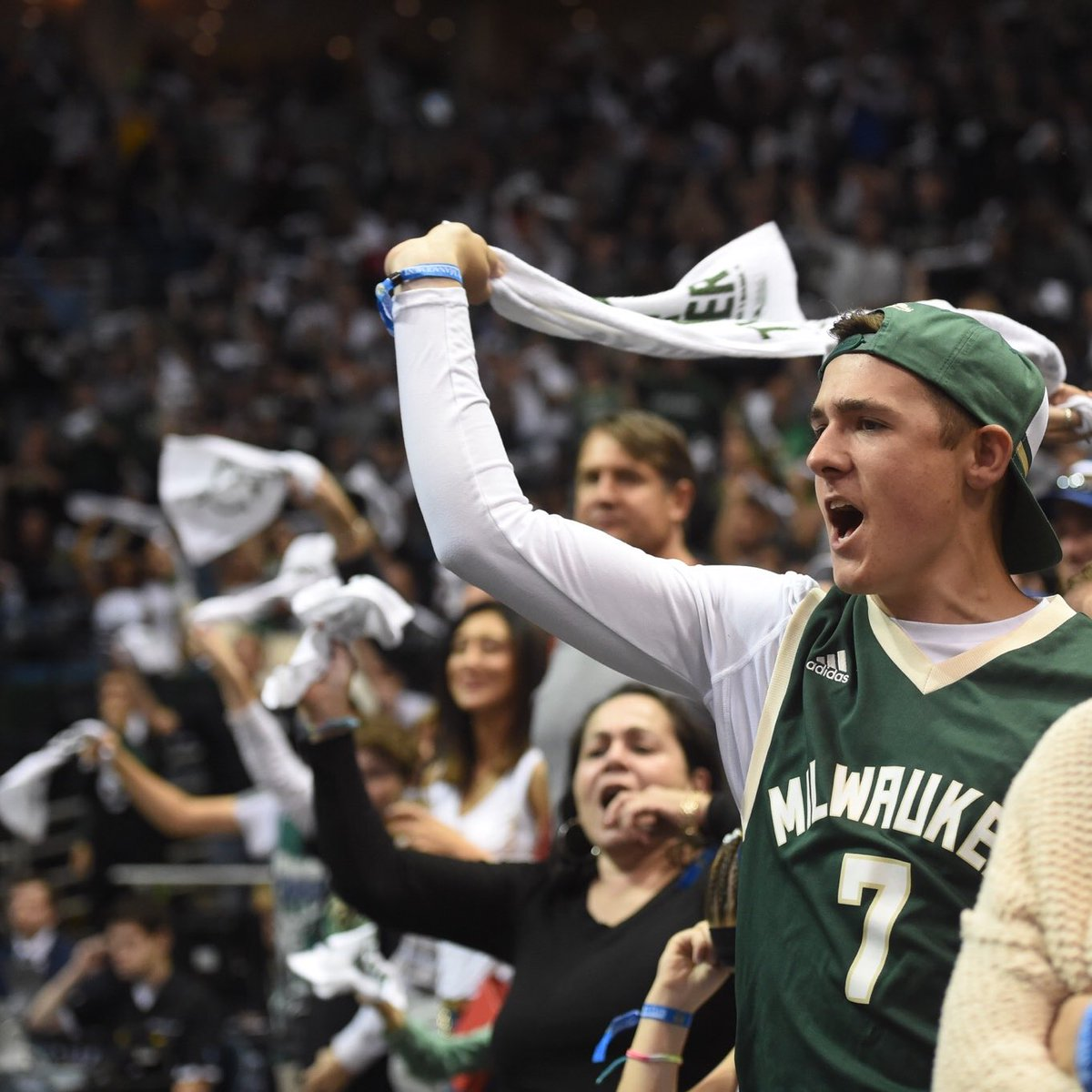 Ready to have no voice on Friday!! #FearTheDeer https://t.co/RY8qn9fD7...