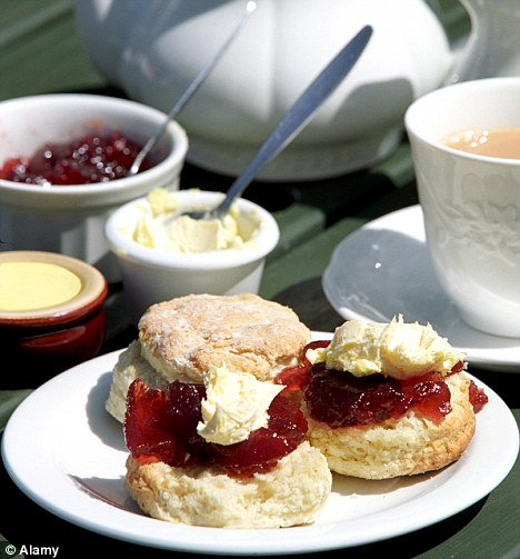 30th June - National Cream Tea Day ..... Come join us for an amazing afternoon https://t.co/YVq9thUbah