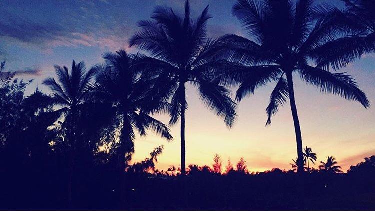Perfect Hawaiian Sunset. #VacationIn3Words https://t.co/V3DVfS1WKt