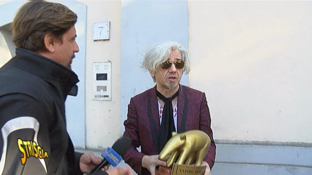 Striscia la notizia Canale 5: Tapiro d'oro a Morgan