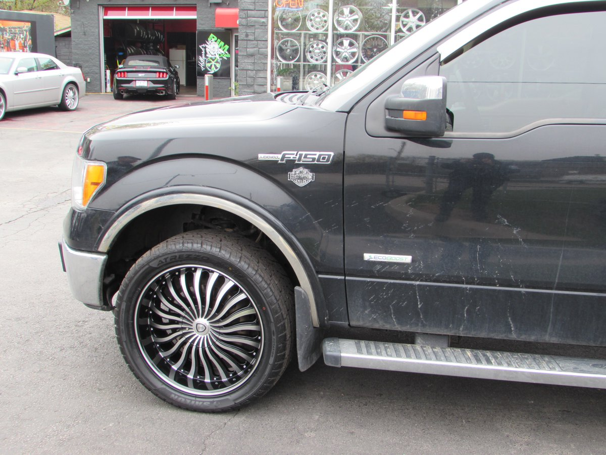 Hillyardsrimlions On Twitter Ford F150 Riding On 22 Custom Rims Tires Ford Ford F150 Alloys Rims Rubber Spokes Deepdish Machined Truck Whips Hamont Wow Https T Co Kw5wuzjwza