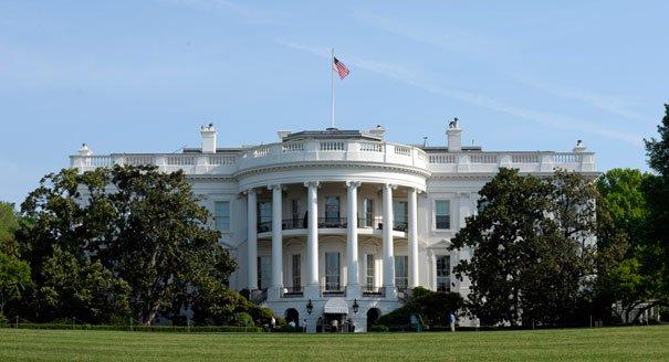 """#BREAKING""""#USA: Selon un responsable de la Maison Blanche la #CoréeDuNord serait à mettre sur la liste des sponsors d'État du terrorisme.""""pic.twitter.com/V92C9bjjr8"""