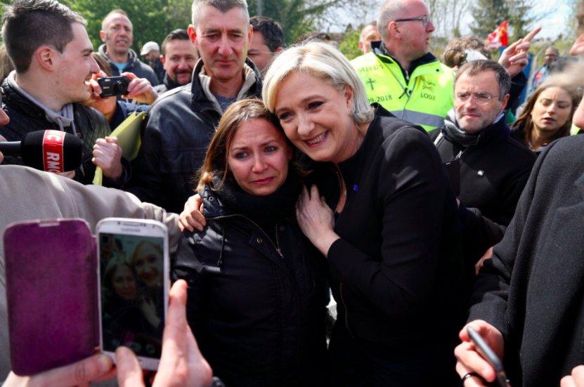 @Marion_M_Le_Pen @campagnard3 Marine Le Pen, 13.000 euros par mois, qui fait sa com sur la détresse des ouvriers