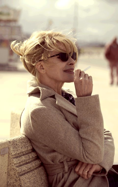 #FannyArdant blonde in #BrightDaysAhead is so sensual!<br>http://pic.twitter.com/Ce402ihhMJ