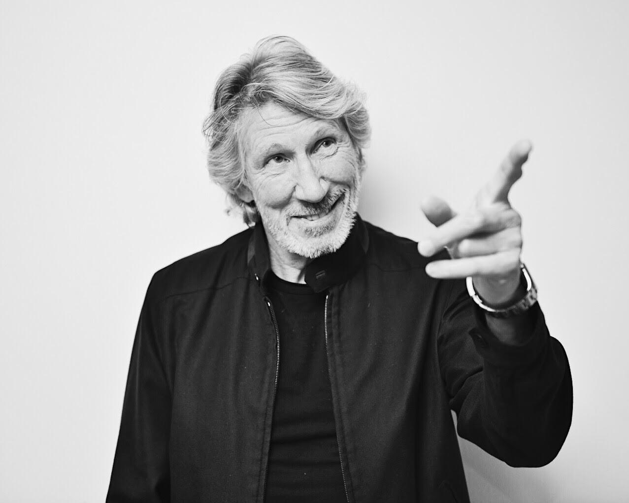 Nouvel Album de Roger Waters - Page 2 C-YL5ZVWsAA_eqk