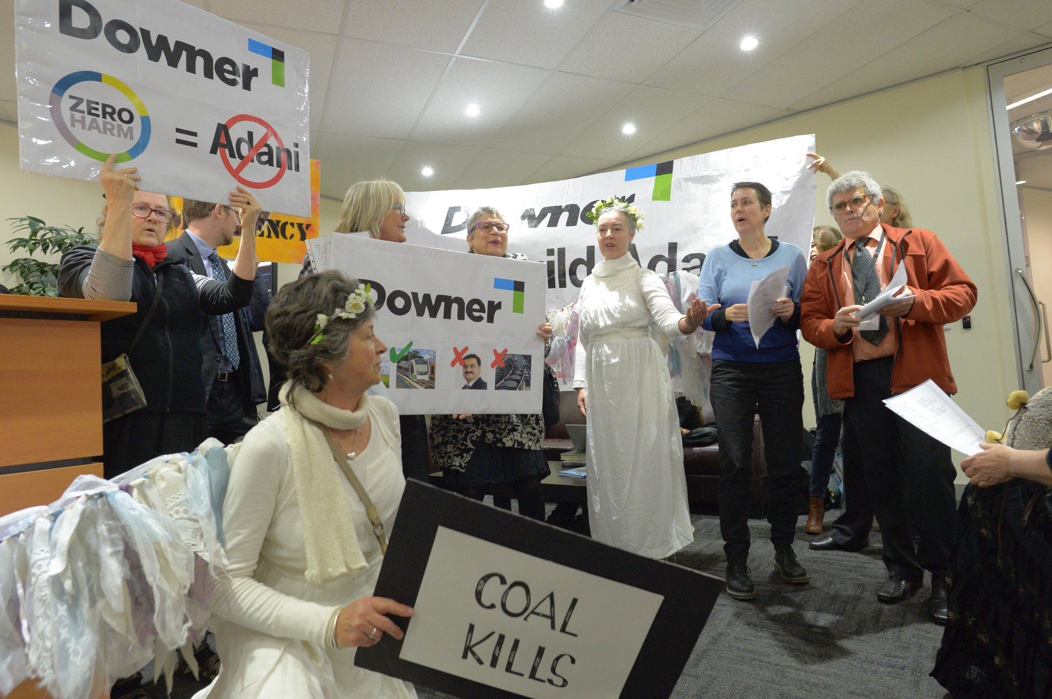 BREAKING Concerned citizens blockading Downer Larimer St, asking that @downergroup withdraw from #Adani mega mine Do No Harm #StopAdani https://t.co/KCub7PeXyI