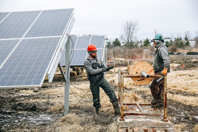 If Trump wants to deliver jobs to out-of-work #coal miners, he&#39;s going to have to get on board w #solar:  http:// buff.ly/2q99nm1  &nbsp;   #renewables<br>http://pic.twitter.com/xsZVG8VmU3