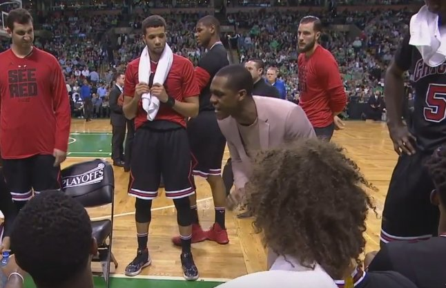 【影片】上不了場?Rondo客串教練,暫停期間親自指導戰術-Haters-黑特籃球NBA新聞影片圖片分享社區