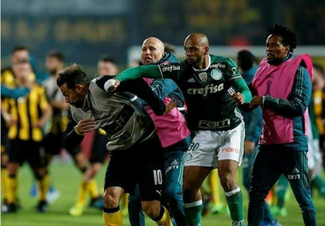 Felipe Melo, pugni ad un avversario e maxi-rissa in Copa Libertadores