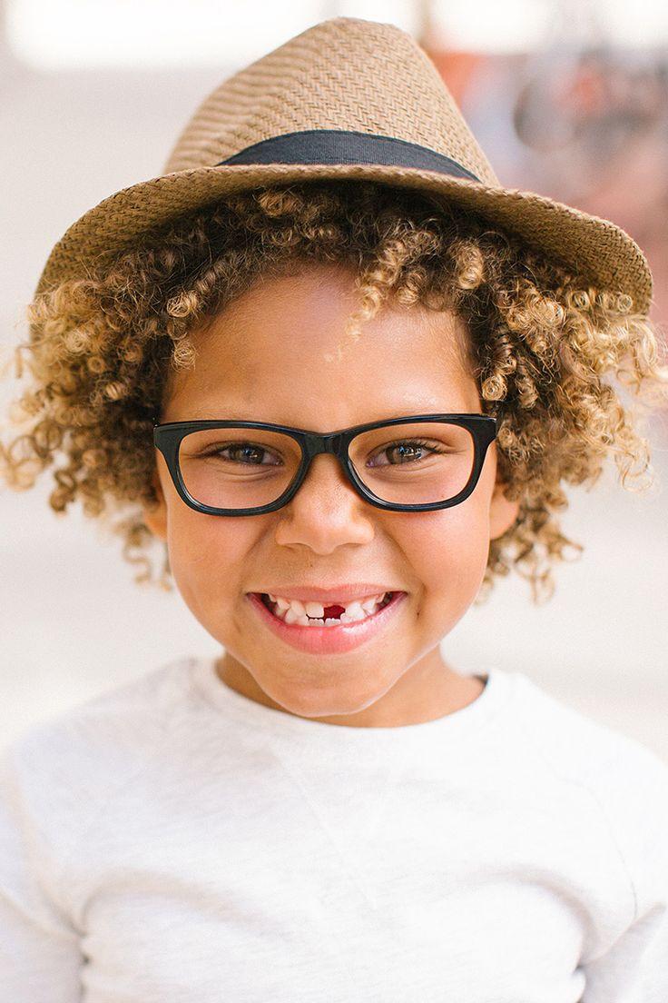 836acb9e6 كيف تقنع طفلك بوضع النظارة الطبية وكيف تختار المناسبة والعملية لشكله وعمره  ؟ الاجابة في حلقتنا #صباح_العربيةpic.twitter.com/XOchJliwuX