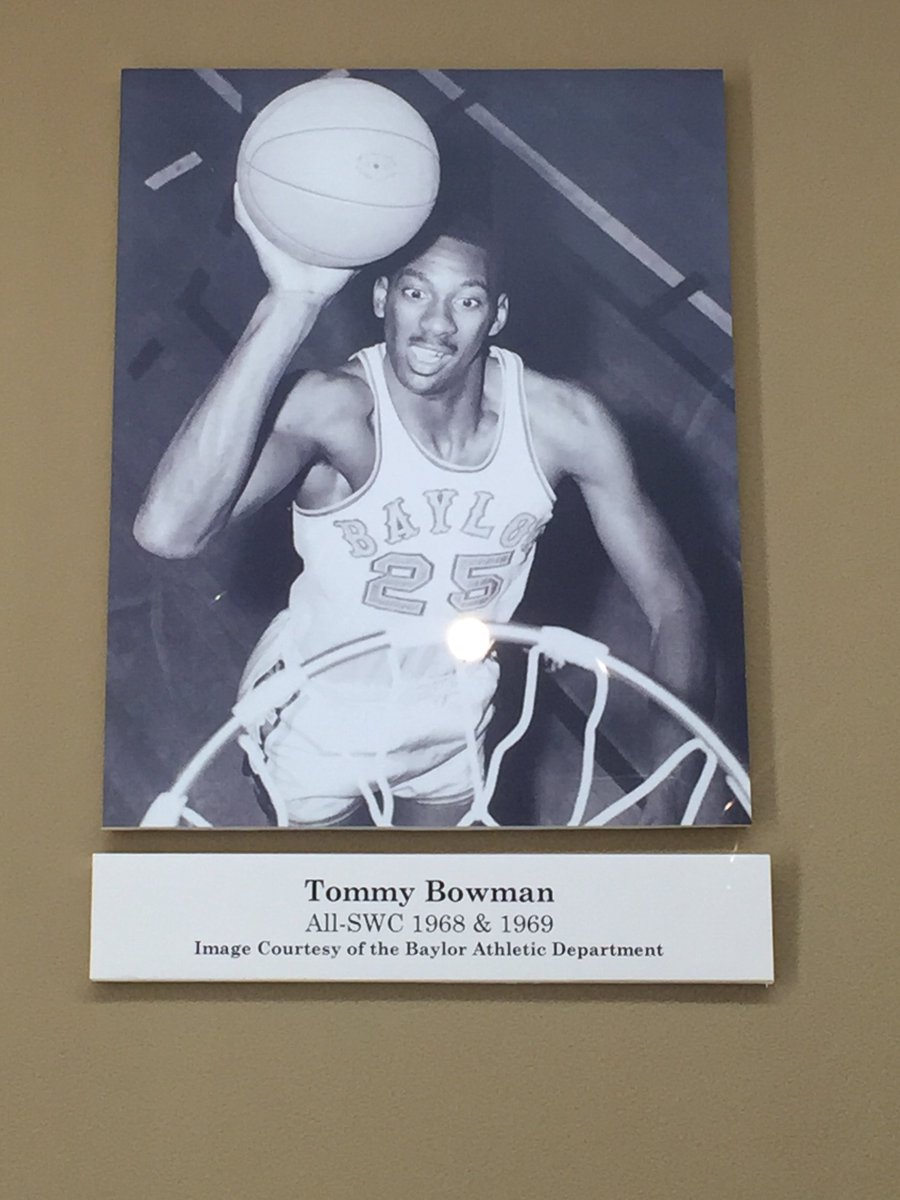 TSHOF welcomes @BaylorMBB Tommy Bowman to Lunch with a Legend. #txspor...