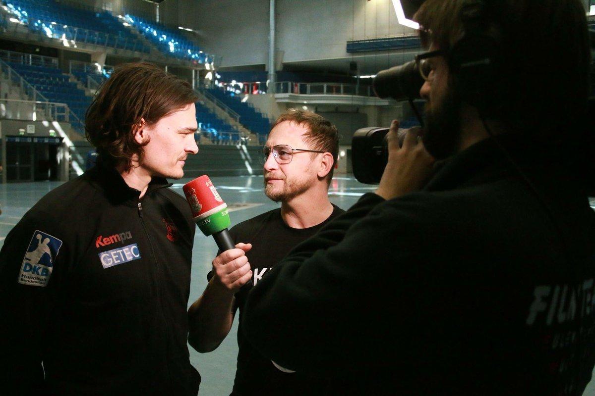 +++Jannick Green bleibt bis 2020 beim SC Magdeburg +++Hier geht´s zum Interview: https://t.co/BDK0LOZ3cs https://t.co/skfSqn1Vgy