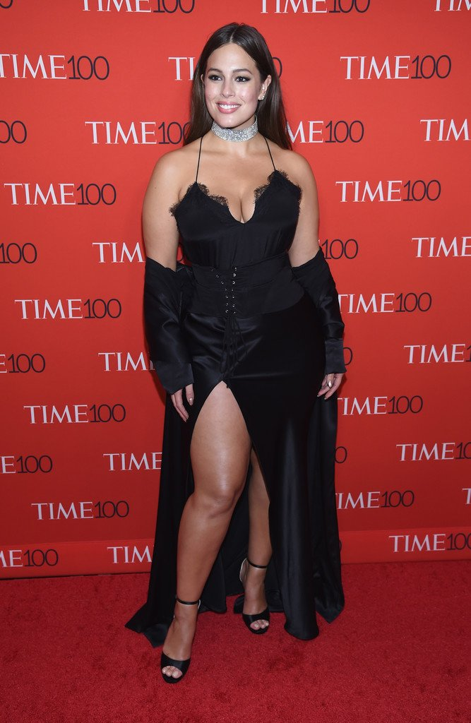 Ashley Graham wore a custom #RacerCami by #CamiNYC to the #Time100 Gala. https://t.co/rbXNzRz6jj