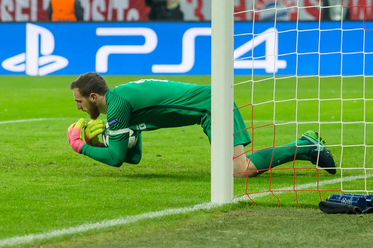 Semi-final hero?  Atlético goalkeeper Jan Oblak has kept 6 clean sheet...