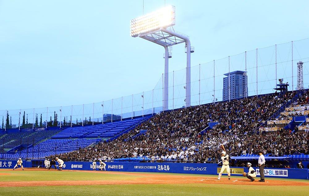 高校野球春季東京都大会決勝戦、早実×日大三の試合が、異例のナイターで27日午後6時、神宮球場で始まりました。(裕) https://t.co...