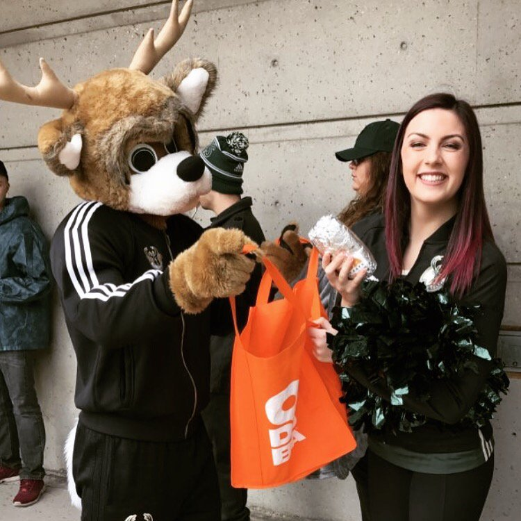 Happy to help @BucksBango cheer on the @Bucks with some burritos! 🌯 #F...